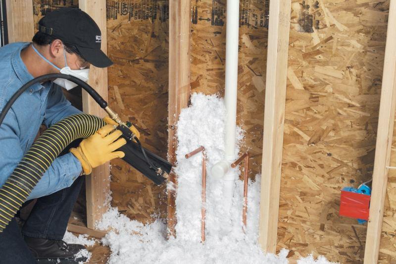 Утепление пеной - пошаговое описание выполнения работ и особенности нанесения жидкой пены (130 фото)