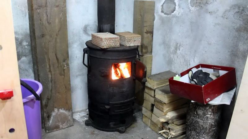 Печь-буржуйка - виды, схема работы, советы по выбору, цены и особенности установки (135 фото)